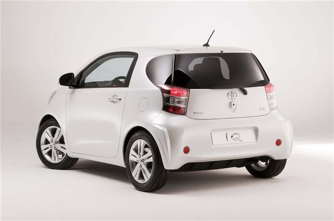 Toyota_IQ2
