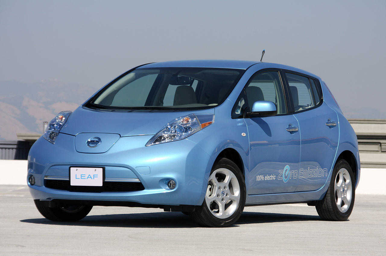 http://pofigist.files.wordpress.com/2010/11/nissan_leaf_2011.jpg