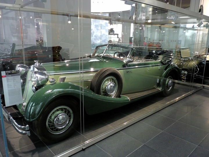 1937 - Horch 853