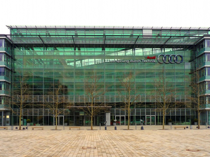 Audi_Dealer
