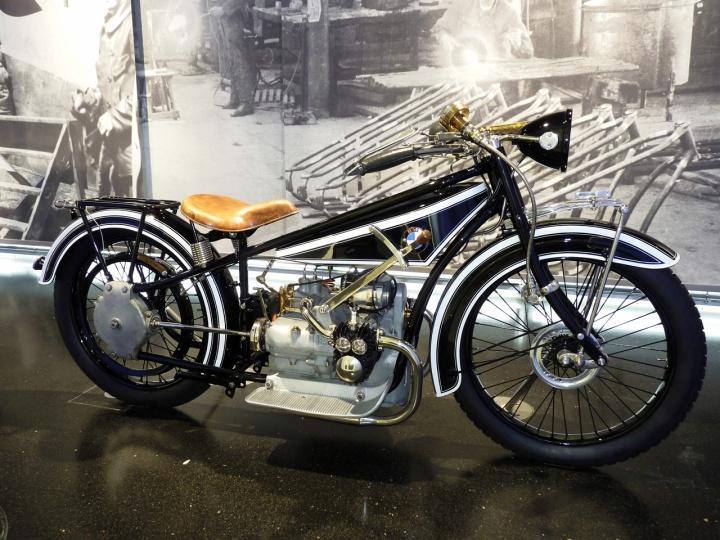 1923-BMW_R32