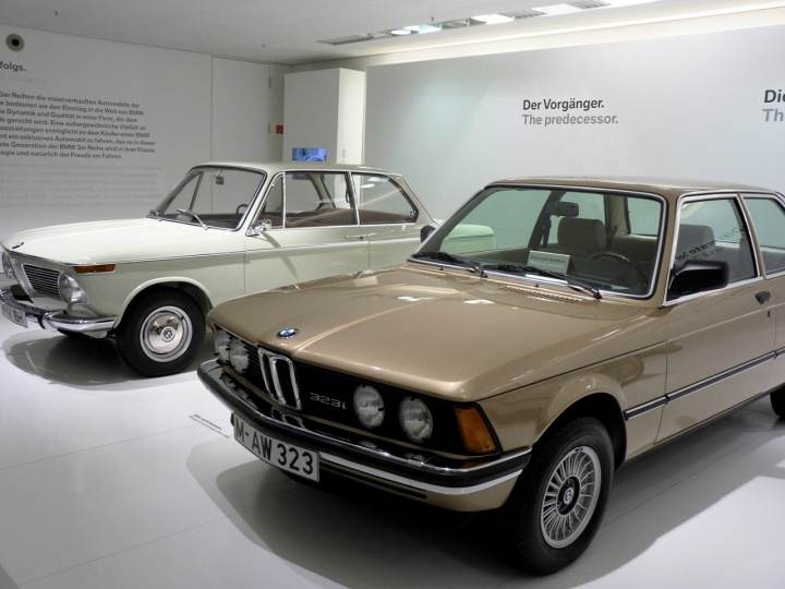 BMW_3_stand_03