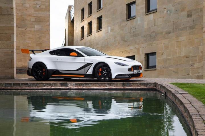 AstonMartin_Vantage_GT12