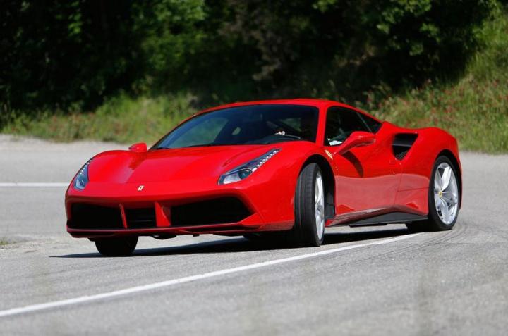 Ferrari_488GTB