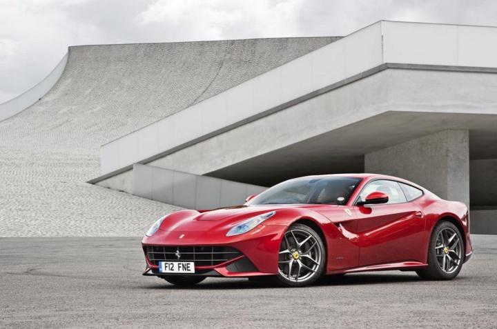Ferrari_F12