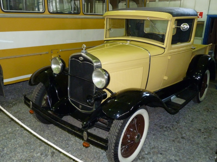 1927_Ford_A_76A