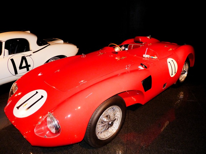 1956_Ferrari_625_LeMansSpyder_1