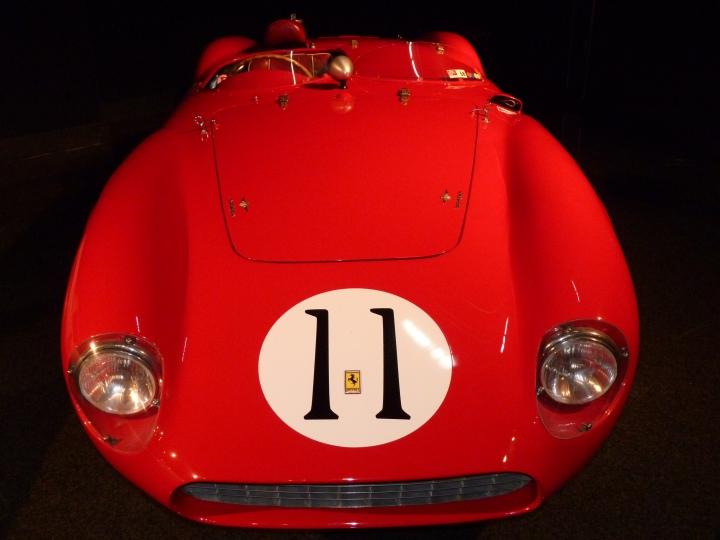 1956_Ferrari_625_LeMansSpyder_2