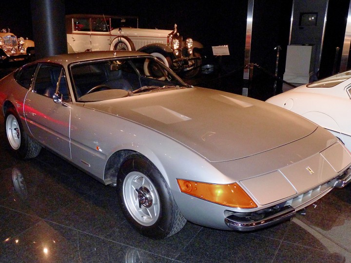 1972_Ferrari_365GTB4