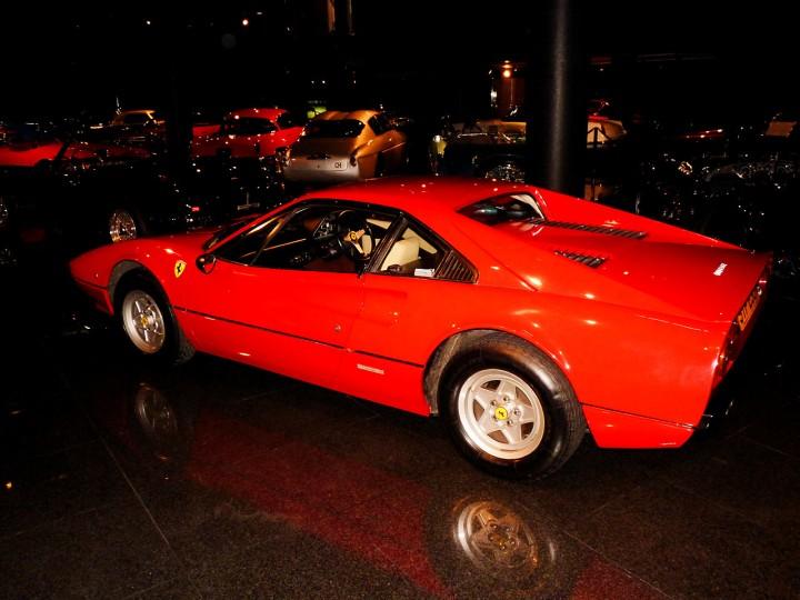 1977_Ferrari_308GTB_2