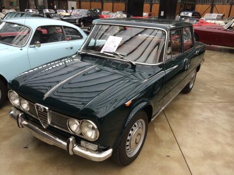 Машина на фотографии выпущена в 1965 году Двигатель: 98 л.с,1.6л Цена: 30 тысяч евро