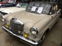 Mercedes Benz 190С: Год выпуска: 1965 Двигатель: 80 л.с. Цена: 17800 евро