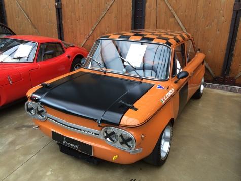 NSU Prinz TT Машина выпущена в 1973 году, отреставрирована в 2012. Двигатель: четырехцилиндровый 1.3л Цена: 40 тысяч евро