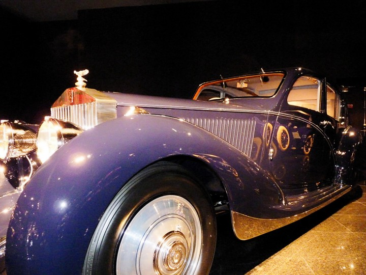 RollsRoyce_Phantom_II_Continental_Saloon