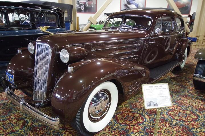 1937_cadillac_series90