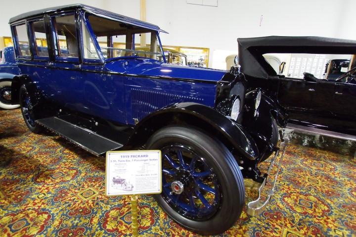1919_Packard_3_35