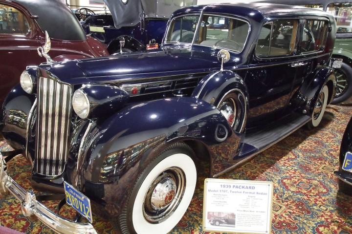 1939_Packard_1707