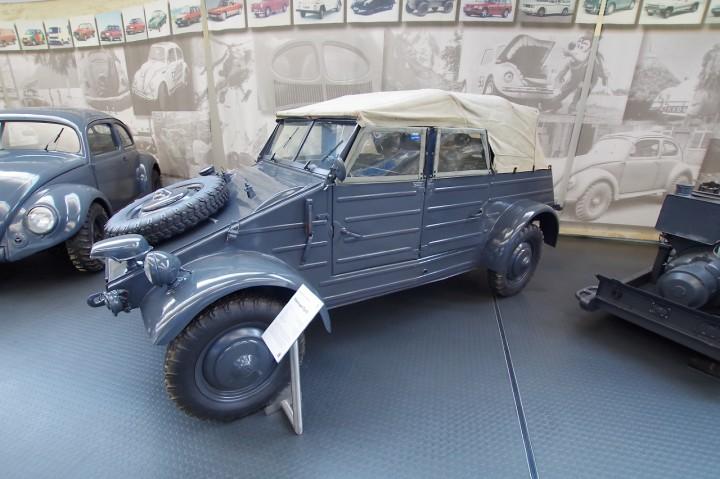 1942_VW_Typ82