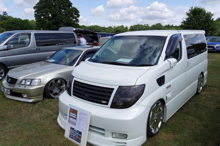 Nissan_Elgrand