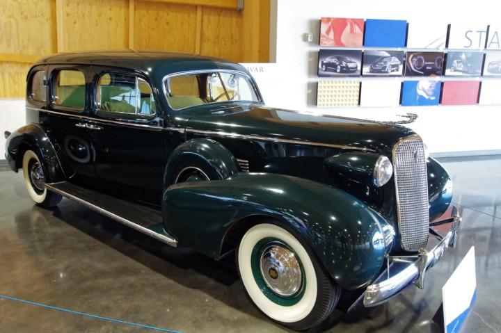 1937-Cadillac_Fleetwood