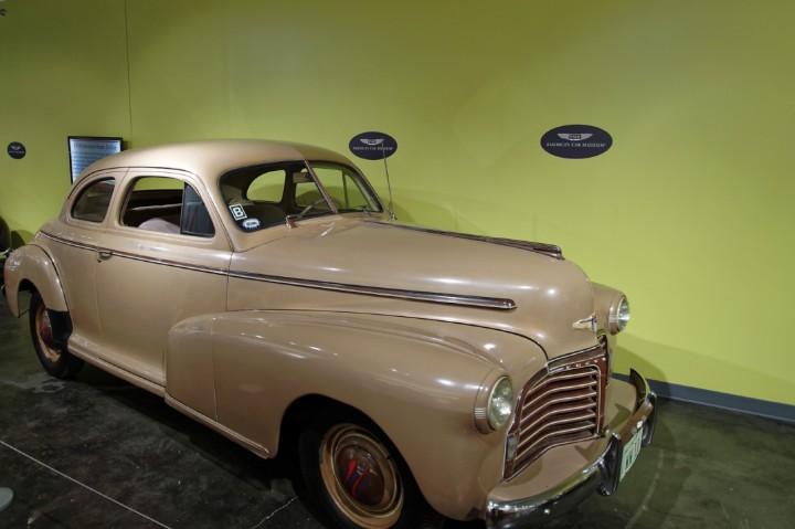 1942-Chevrolet_MasterDeluxe