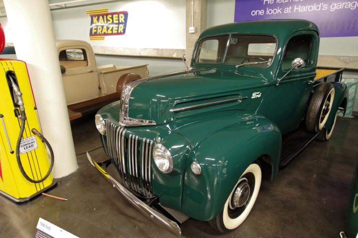 1946-Ford_Pickup