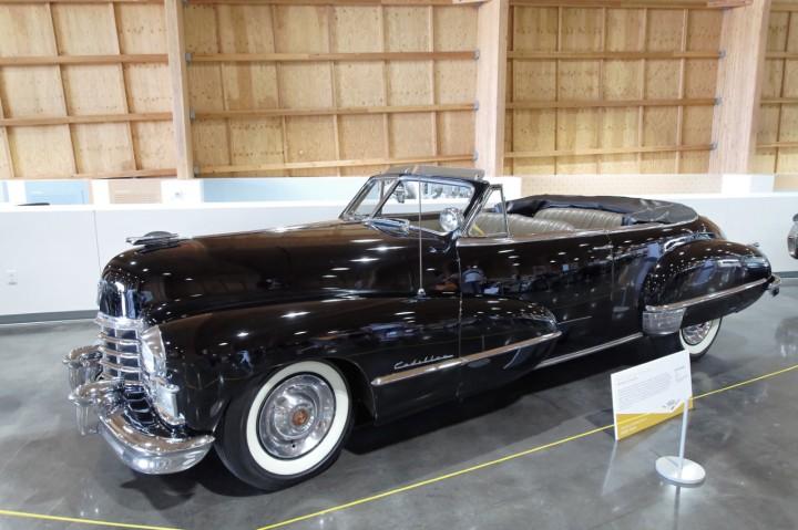 1947-Cadillac_Series62