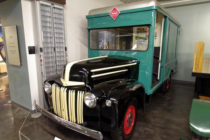 1947-Ford_RailwayExpress