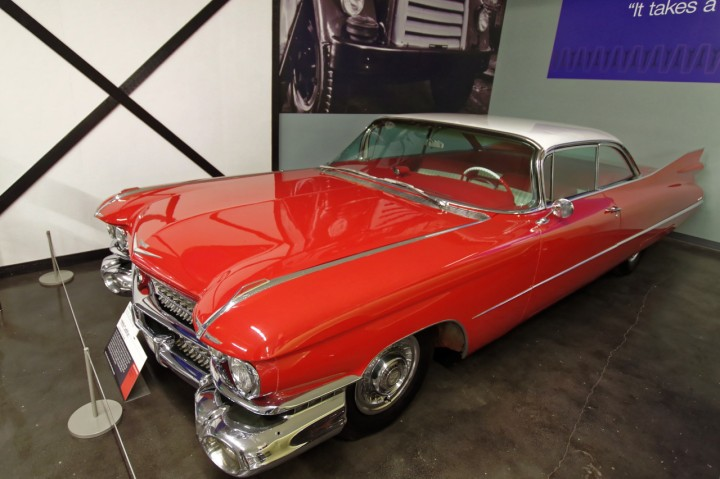 1959-Cadillac_Coupe_DeVille