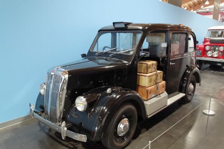 1961-Beardmore_Taxi