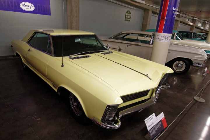 1965-Buick_Riviera