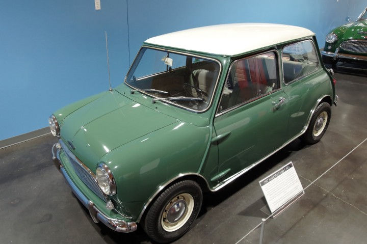 1967-Austin_Mini