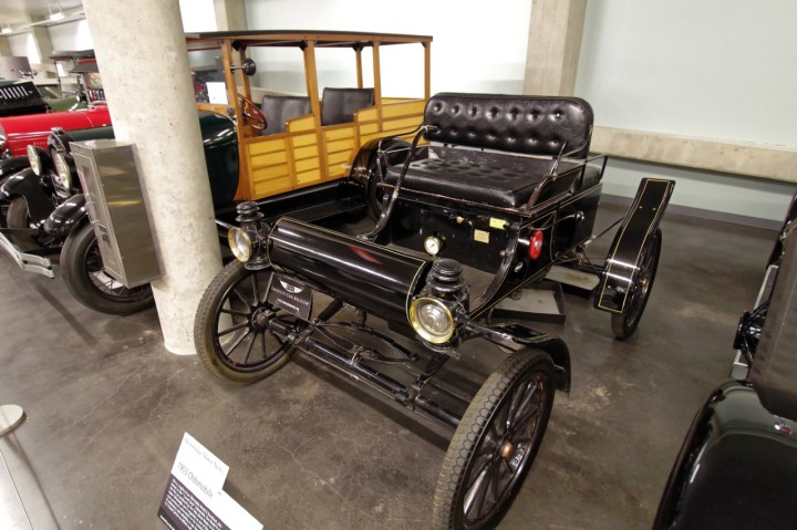 1903-Oldsmobile_Runabout