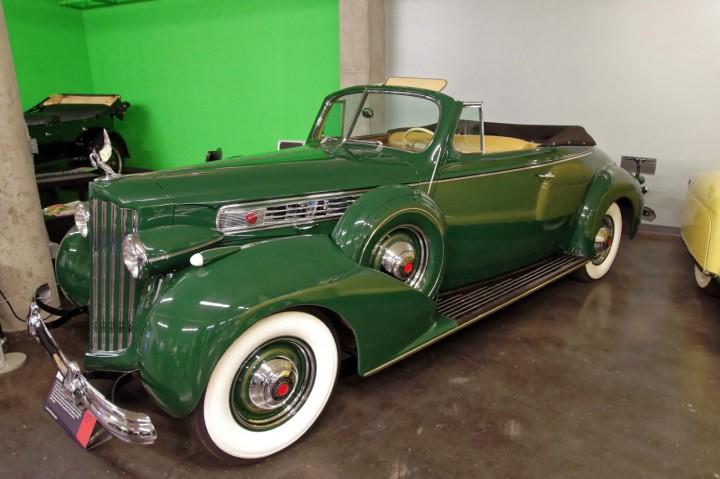 1939-Packard_Super_Eight