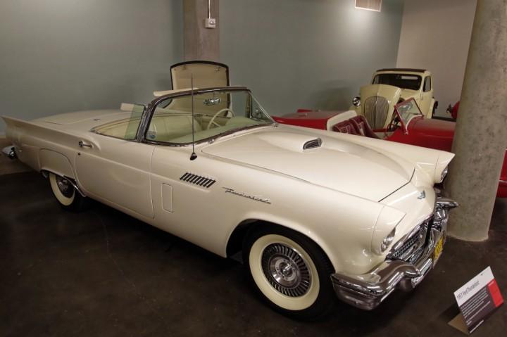 1957-Ford_Thunderbird