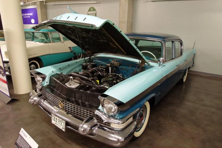 1957-Packard_Clipper