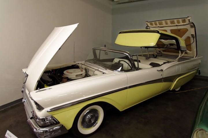 1958-Ford_Fairlane_Skyliner