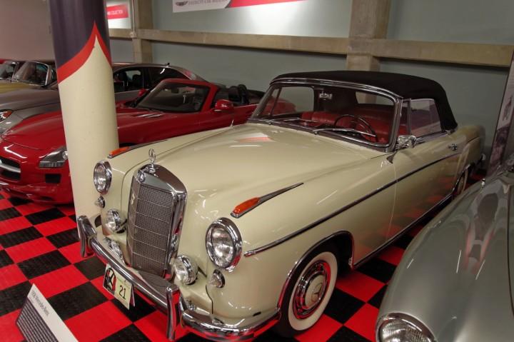 1958-Mercedes_220S