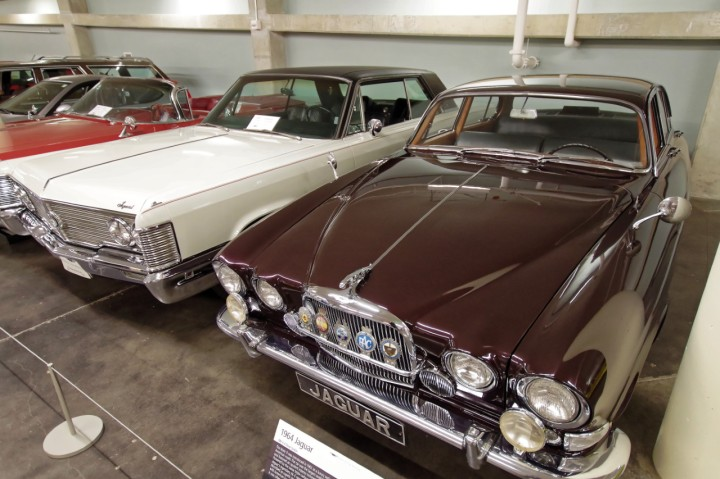 1964_Jaguar_MkX