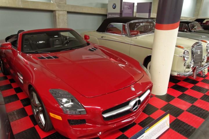 2012-Mercedes_SLS