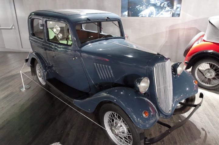 1933_Ford_Koln_Y