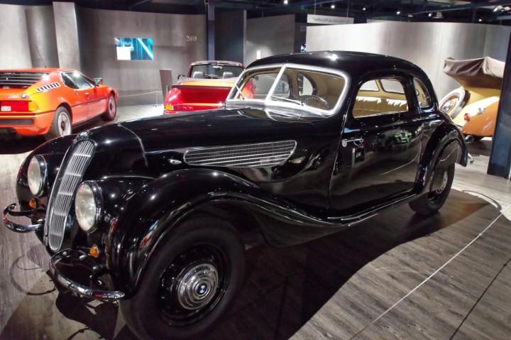 1937_BMW_327