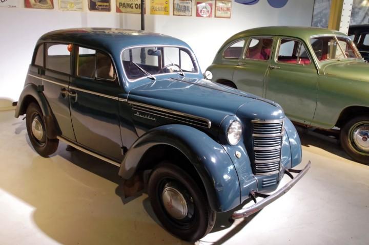 1951_Moskvitch_400