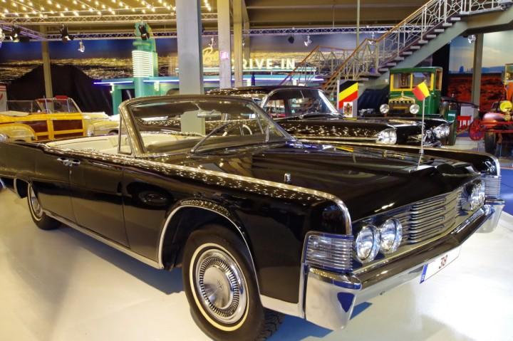 1965-Lincoln_Continental