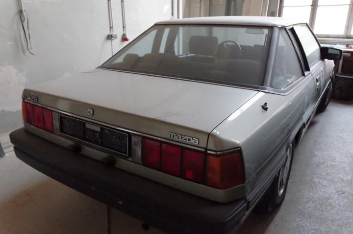 1992_Mazda_929