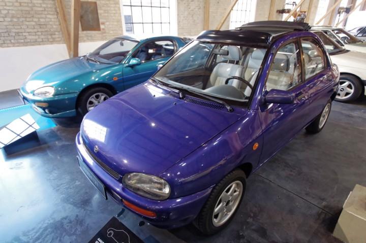 1994_Mazda_121