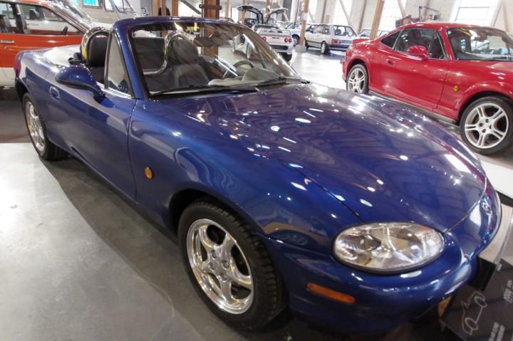 1999_Mazda_MX5_X