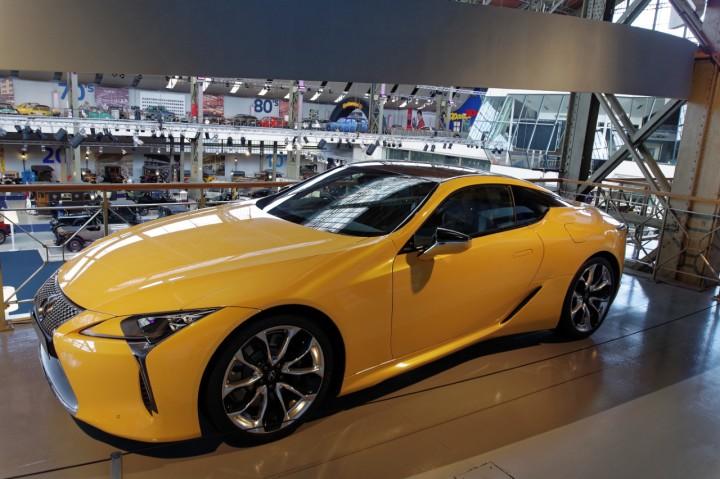 2017-Lexus_LC500