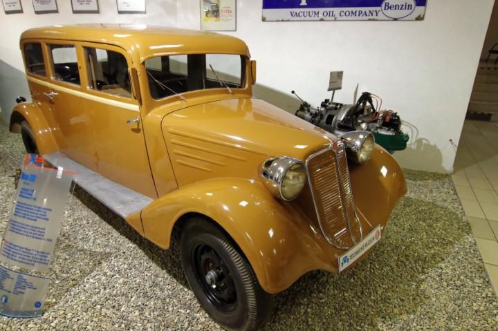 1927-Tatra_T30_1