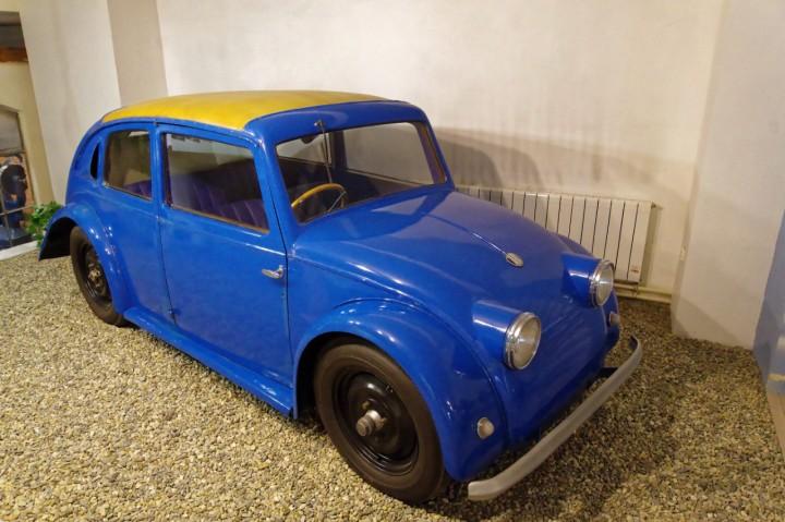1933-Tatra_V570